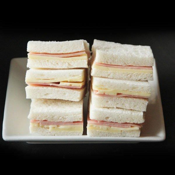 Sandwich Mixto de Jamón y Queso 1